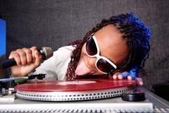 Il DJ divertente fotografie stock