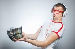 Il DJ divertente con i CD Immagine Stock