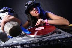 Il DJ freddo nell'azione Immagini Stock