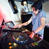 Il DJ nella miscela Fotografia Stock Libera da Diritti