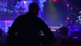 Il DJ in randello archivi video
