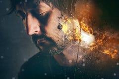 Il DJ su fuoco, uomo con le cuffie brucianti Fotografia Stock