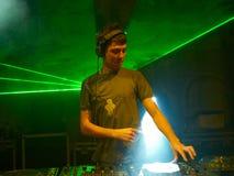 Il DJ sul lavoro immagini stock