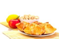 Il dolce agglutina con la mela ed il limone su un piatto Fotografie Stock