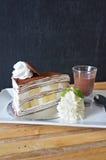 Il dolce di crêpe di strato di Banoffee fotografie stock libere da diritti