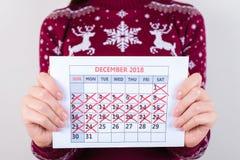 Il domani è Natale! sei giorni a Chrismas! Potato vicino su pH fotografia stock libera da diritti