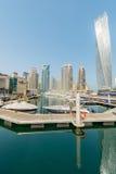 Il Dubai - 9 agosto 2014: Distretto del porticciolo del Dubai sopra Immagini Stock