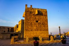 Il Dubai Al Shandagah Watch Tower fotografia stock