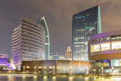 Il Dubai alla notte Fotografia Stock Libera da Diritti