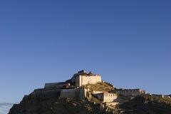 Il Dzong nel Tibet Immagini Stock