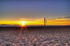Il est plus facile voir la ligne au coucher du soleil Images libres de droits