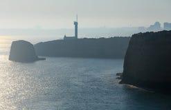 Il faro di Ponta fa l'altare Lagoa, Portogallo Fotografia Stock Libera da Diritti
