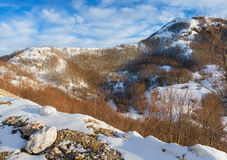 Il fianco di una montagna nevoso. Il Montenegro Fotografia Stock Libera da Diritti