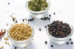 Il fieno greco del pepe nero dei semi di coriandolo lascia asciutto Fotografie Stock
