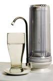 Il filtro per schiarimento delle acque di rubinetto. Immagine Stock Libera da Diritti