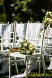 Il fiore della mano del ` s della sposa immagini stock libere da diritti
