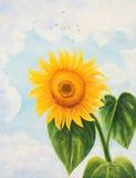 Il fiore di un girasole su un fondo delle nuvole Fotografie Stock Libere da Diritti