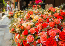 Il fiore falso ma lo sguardo gradisce reale Fotografia Stock Libera da Diritti