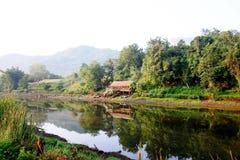 Il fiume Fotografie Stock