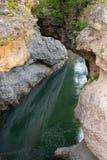 Il fiume Belaya (bianco) è nella gola di Khadzhokhsky Fotografia Stock Libera da Diritti