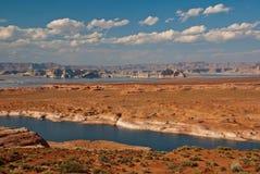 Il fiume Colorado vicino alla pagina, all'Arizona ed all'Utah, U.S.A. Immagine Stock