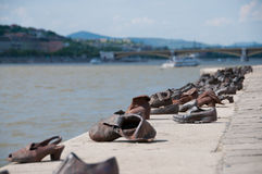 Il fiume Danubio Budapest delle scarpe Fotografie Stock Libere da Diritti