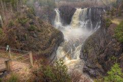Il fiume del piccione attraversa il grande parco di stato di Portage e la prenotazione indiana È la frontiera fra Ontario ed il M immagine stock