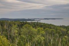 Il fiume del piccione attraversa il grande parco di stato di Portage e la prenotazione indiana È la frontiera fra Ontario ed il M immagini stock