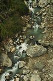 Il fiume della montagna Trekking al campo base di Annapurna Immagini Stock Libere da Diritti