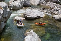 Il fiume di Canrejal nel parco nazionale Honduras di Pico Bonito una posizione popolare degli sport acquatici Fotografie Stock Libere da Diritti