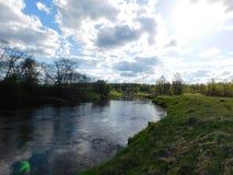 Il fiume di Oredezh e le sue banche Immagine Stock