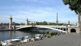 Il fiume di Seine a Parigi archivi video