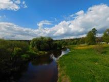 Il fiume di Suyda e le sue banche Fotografie Stock Libere da Diritti