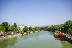 Il fiume Kura a Tbilisi, Georgia Fotografia Stock