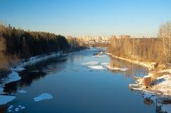 Il fiume Miass nell'inverno Fotografie Stock Libere da Diritti