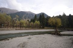 Il fiume nel Kashmir fotografia stock libera da diritti