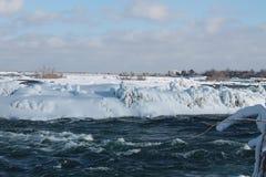 Il fiume Niagara, nell'inverno Fotografia Stock Libera da Diritti