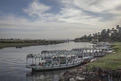 Il fiume Nilo, le barche Immagini Stock Libere da Diritti