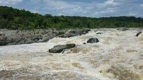 Il fiume Potomac a Great Falls video d archivio