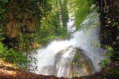 Il fiume scorrente veloce Fotografie Stock