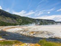 Il fiume Snake e sorgenti di acqua calda in Yellowstone Fotografia Stock Libera da Diritti