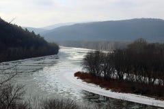 Il fiume Susquehanna ghiacciato immagini stock