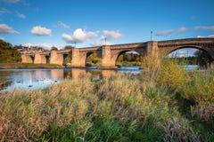 Il fiume Tyne sotto il ponte della strada di Corbridge Fotografia Stock Libera da Diritti