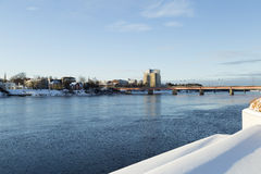 Il fiume in Umeå, Svezia Immagine Stock