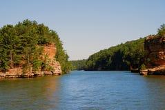 Il fiume Wisconsin vicino ai Dells di Wisconsin, U.S.A. Immagini Stock