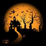 Il fondo arancio di notte di Halloween con la strega e le zucche fortificano Fotografia Stock Libera da Diritti