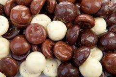 Il fondo di cioccolato pepernoten la caramella olandese tipica per Sint Fotografia Stock Libera da Diritti