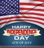 Il fondo di festa dell'indipendenza ed il logo del distintivo con gli Stati Uniti diminuiscono il quarto luglio Fotografia Stock Libera da Diritti