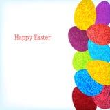Fondo di Pasqua con le uova variopinte dell'ornamento Fotografie Stock