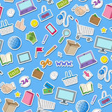 Il fondo senza cuciture sul tema di acquisto e di Internet online compera, icone variopinte degli autoadesivi su fondo blu Fotografie Stock